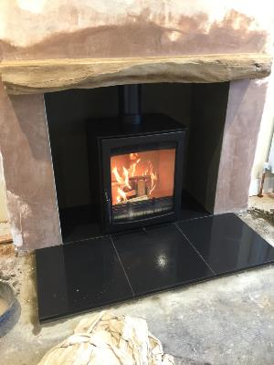 Aspect 5 Stove, Hartland Beam and Slate Chamber/Hearth